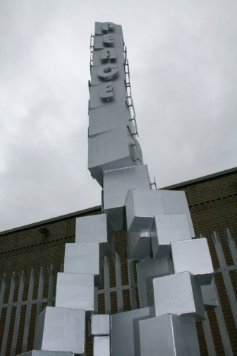 Peace Pole (c) Allan LEONARD @MrUlster