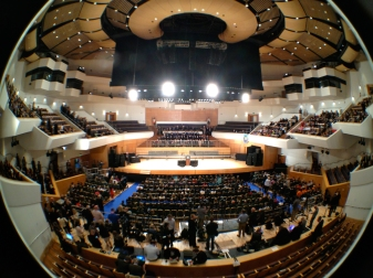 The stage is set (fisheye view) (c) Allan LEONARD @MrUlster