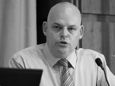 Peter OSBORNE (Chair, Community Relations Council) @Osbornetweets (c) Allan LEONARD @MrUlster