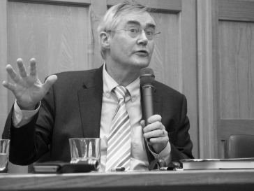 Eamon PHOENIX (c) Allan LEONARD @MrUlster
