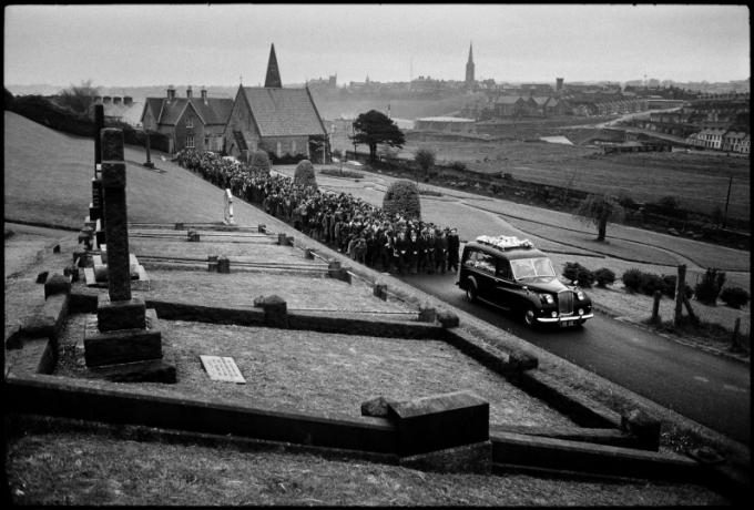 MrUlster 20181011 - YanMorvan - P184 Funeral Convoy for Paul Whitters